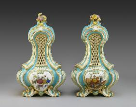 Pair of Triangular Pot-pourri Vases