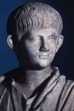 Togate statue of the young Nero, front view of the head